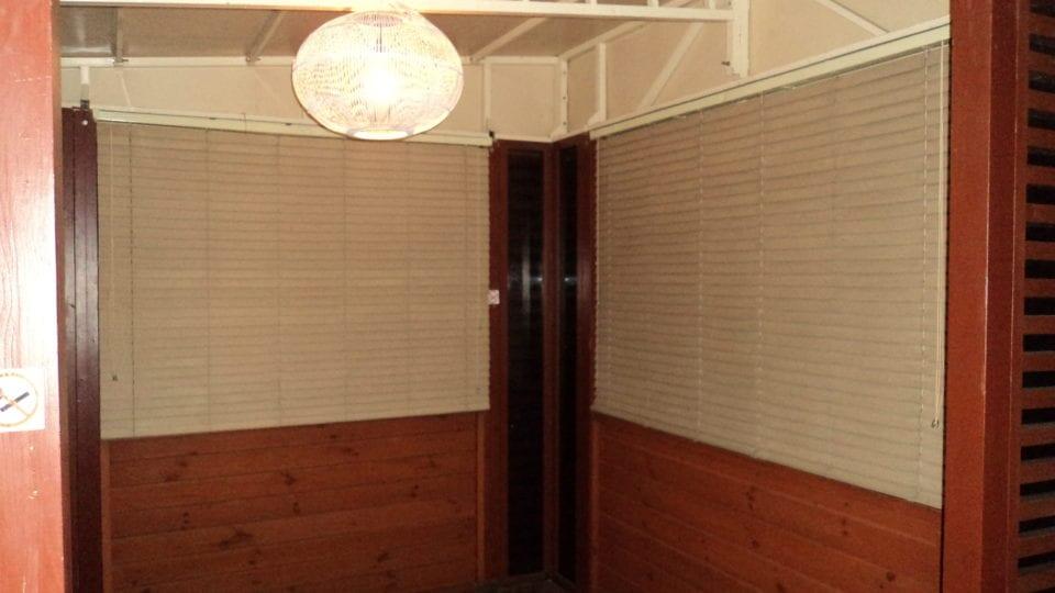 Ремонт деревянных жалюзи дома и в офисе